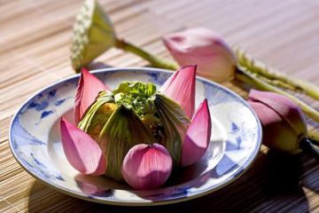 Tinh hoa ẩm thực Việt Nam có gì độc đáo khiến bạn bè thập phương nhớ đến?