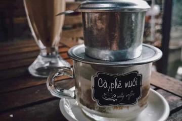 Food blogger nước ngoài gợi ý những quán cà phê 'phải thử' ở Huế