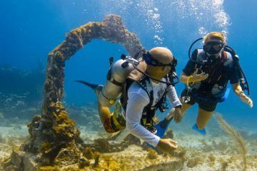 Bảo tàng dưới đại dương và những điểm du lịch dưới nước tuyệt đẹp