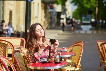 Du lịch Pháp, thưởng thức cà phê sáng đúng điệu tại Paris