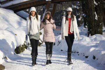 Mách cô nàng lựa chọn giày boot đi tuyết vừa thoải mái vừa sành điệu