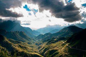 Khám phá 'Sừng trời' trên cung đèo Khau Phạ, Yên Bái