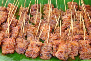 Thưởng thức món ăn đường phố Thái Lan giữa Sài Gòn