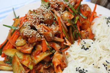Hàn Quốc có đặc sản chế biến từ… ốc sên khiến Ngọc Trinh mê tít, nhưng bạn có dám thử?