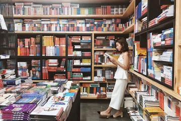 Nhà sách Cá Chép 4 tầng ở Hà Nội - điểm đến lý tưởng mỗi chiều cuối tuần