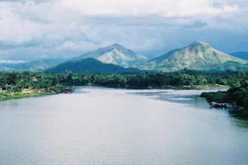 Núi Ngự Bình - Nơi hội tụ cảnh quan thiên nhiên xứ Huế đẹp 'ngỡ ngàng'