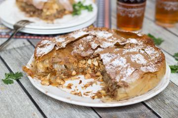 Thưởng thức bánh chim bồ câu, salad cà tím chiên và 4 đặc sản hấp dẫn của Ma Rốc