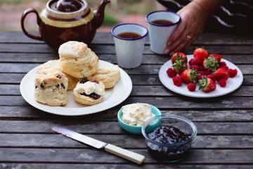 Thưởng thức món trà kem béo ngậy ngon nhất nước Anh