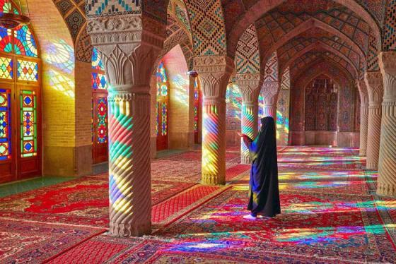 Đến Iran lạc lối giữa màu sắc kỳ ảo của nhà thờ Hồi giáo Nasir al Mulk
