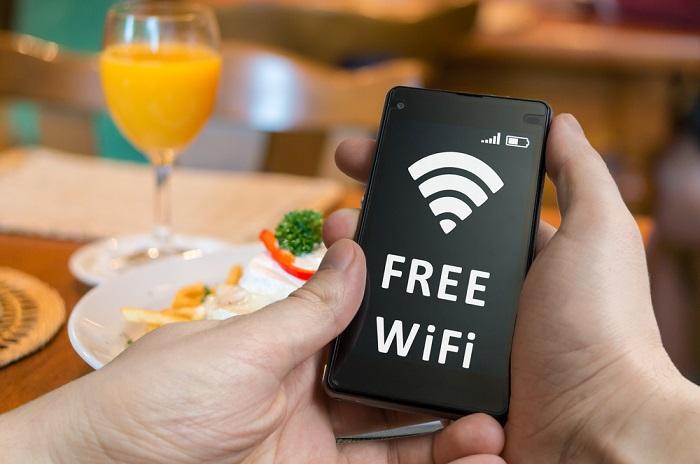 Sử dụng wifi bất cứ khi nào có thể là cách tiết kiệm dung lượng mạng hiệu quả khi đi du lịch
