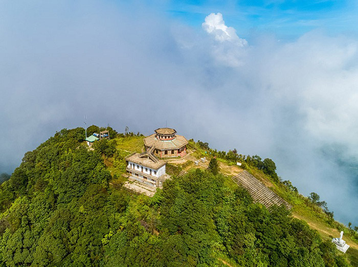 Bach Ma Mountain - a famous tourist destination in Hue.  Photo: divui