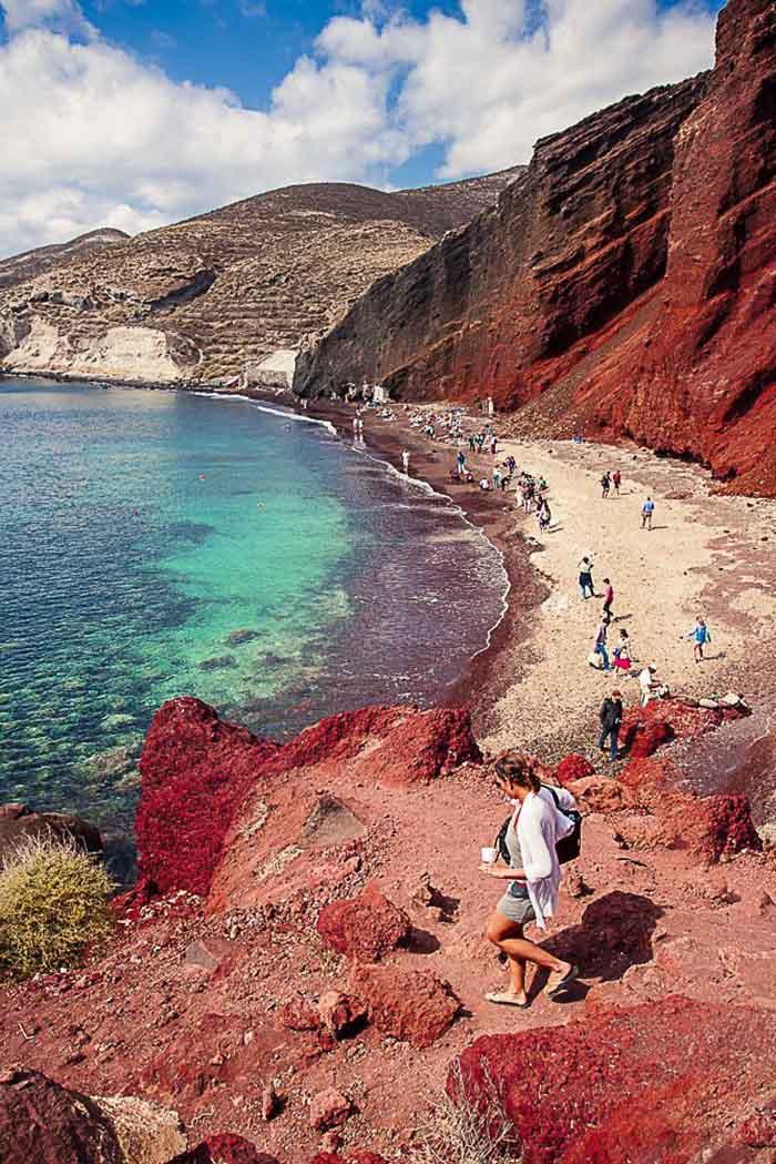 Biển đỏ ở Santorini.