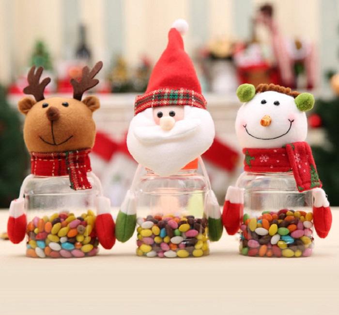 Những hũ kẹo bi nhiều màu sắc