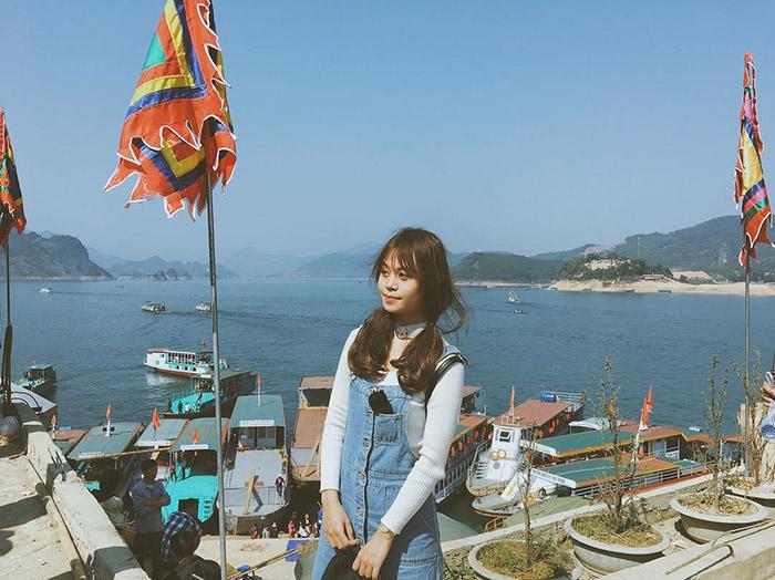 Đến hồ Thung Nai trải nghiệm du lịch tự nhiên.