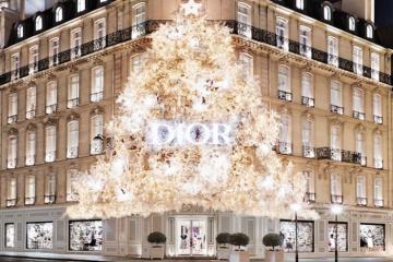 Louis Vuition, Dior và các 'ông lớn' thời trang trang trí Giáng sinh thế nào?