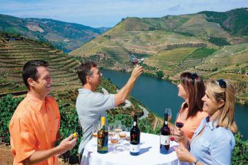 Thưởng vang trắng Ý, dạo con đường rượu vang ở Alsace trong hành trình khám phá các 'thiên đường rượu vang' thế giới