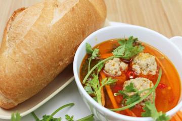 Bánh mì xíu mại - Tôn vinh ẩm thực đường phố với phong vị đậm đà