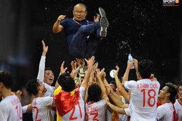 Nhìn lại khoảnh khắc ăn mừng chiến thắng của đội tuyển U22 Việt Nam làm nức lòng người hâm mộ