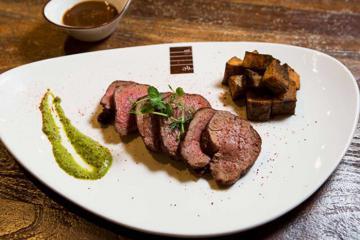 Không phải món ăn phủ vàng, đây mới là những đặc sản bạn 'phải thử' khi du lịch Dubai