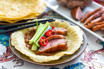 Bánh kếp cuộn vịt quay, kẹo hồ lô và những món ăn ngon ở Bắc Kinh mà bạn không nên bỏ lỡ