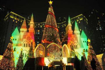 Lưu ngay 8 điểm đón Giáng sinh ở Hà Nội khiến bạn vui quên lối về