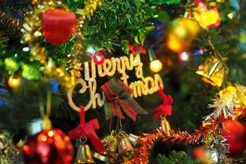 Ăn tối cùng người quá cố và 7 phong tục đón Giáng sinh kỳ lạ nhất thế giới