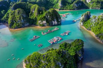 Khám phá 4 'làng chài hai vịnh' đẹp nhất Hạ Long