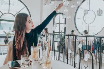 Top 6 quán cà phê tông trắng ở TP HCM cho hội bạn hẹn hò tết Dương lịch