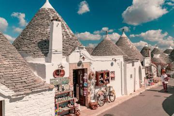 Du lịch Ý, khám phá những ngôi nhà nấm đẹp như cổ tích tại thị trấn Alberobello