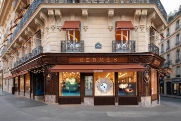 Top 14 thương hiệu thời trang đình đám nhất định phải ghé thăm khi đặt chân tới Paris