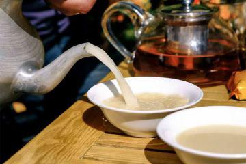 Trà bơ Tây Tạng - quốc hồn quốc túy của vùng đất cao nguyên 'nóc nhà châu Á'