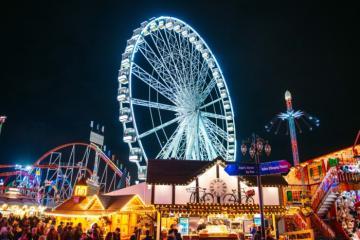Tha hồ 'bung lụa' tại Winter Wonderland - hội chợ Giáng sinh lớn nhất nước Anh