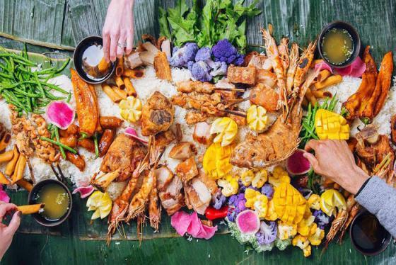 Bữa tiệc bốc, ăn sáng với trứng vịt lộn và những điều thú vị trong văn hóa ẩm thực Philippines