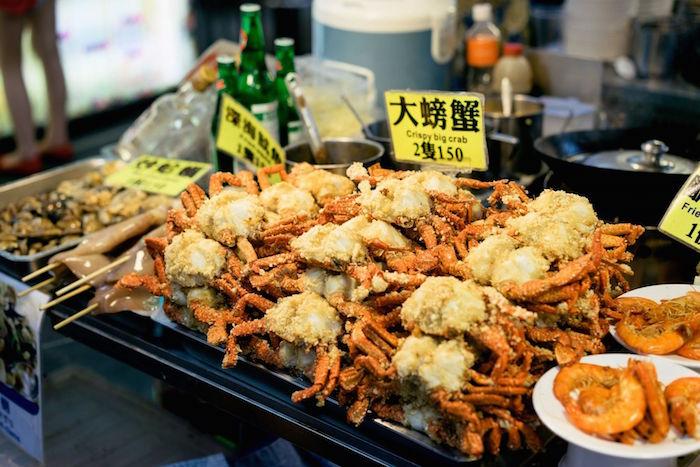 Du lịch Đài Loan đầu năm, ăn vặt tại chợ đêm.