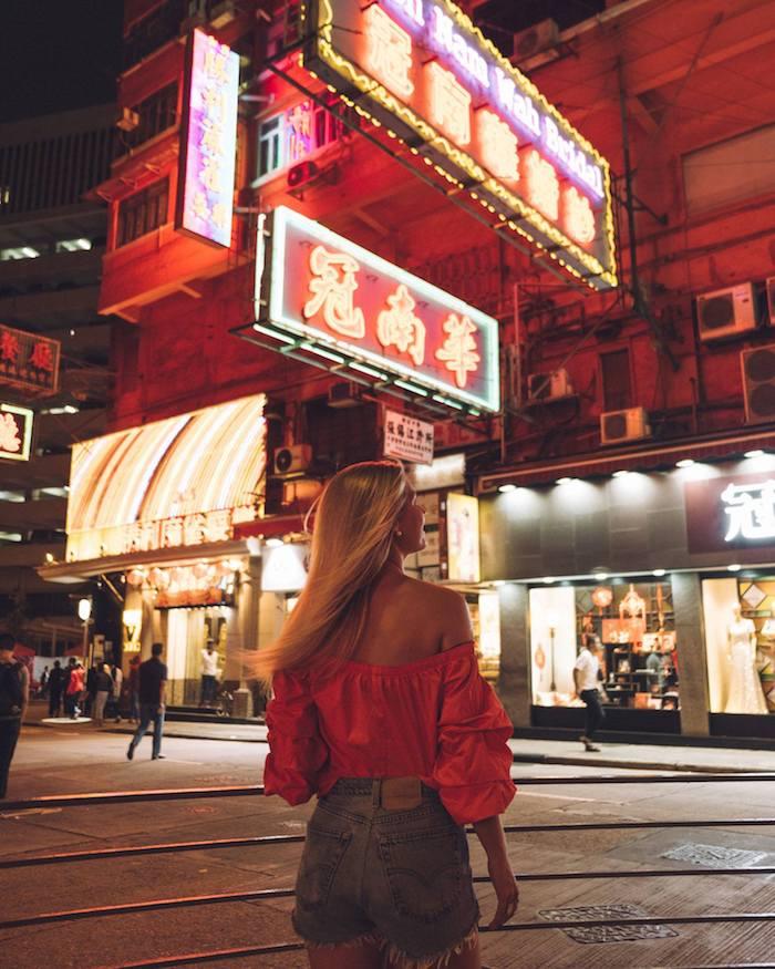 Du lịch Hồng Kông, shopping thả ga tại khu Chim Sao Chổi.