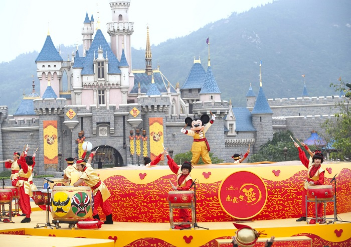 Du lịch Hồng Kông, trải nghiệm vui nhộn tại Disneyland